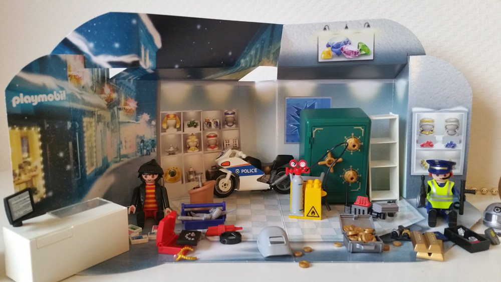 playmobil adventskalender was ist drin und lohnt sich der kauf. Black Bedroom Furniture Sets. Home Design Ideas
